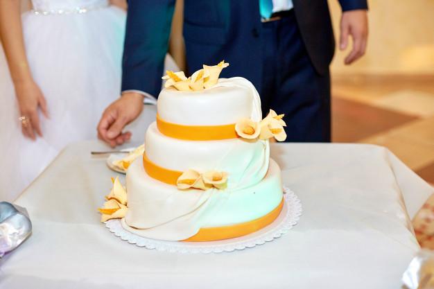 Conoce la historia y las tradiciones del pastel o torta de bodas