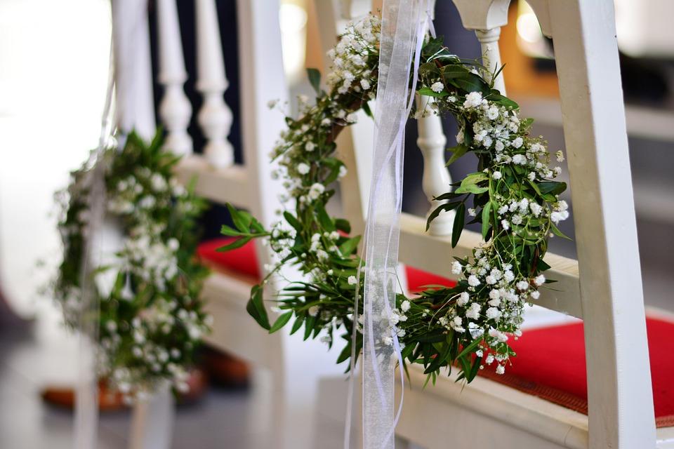 Decorar tu boda: las mejores opciones para sillas